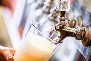Draft beer dispensing system